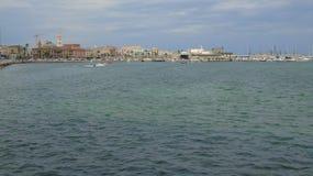 Promenade in de stad van Bari Stock Foto