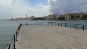 Promenade in de stad van Bari Royalty-vrije Stock Afbeeldingen