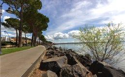 'promenade' de Trevignano Foto de archivo