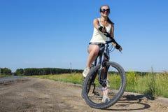 Promenade de vélo d'été photographie stock