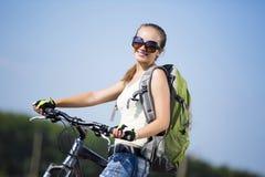 Promenade de vélo d'été photo libre de droits