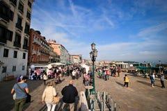 Promenade de Venise Grand Canal Photos stock