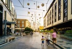 Promenade de ville de Dubaï Image libre de droits