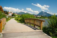 Promenade in dem See Hopfensee Lizenzfreies Stockbild