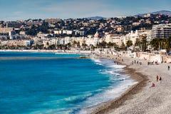 Promenade des Anglais και όμορφη παραλία στη Νίκαια Στοκ εικόνα με δικαίωμα ελεύθερης χρήσης