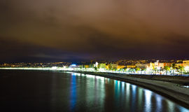 Promenade des Anglais τη νύχτα, γαλλικό Riviera Στοκ Εικόνα