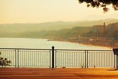 Promenade des Anglais en la puesta del sol, Niza imágenes de archivo libres de regalías