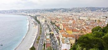 Promenade des Anglais und Stadt von Nizza Stockbild