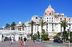 Promenade des Anglais y Le Negresco Hotel en Niza, Francia Foto de archivo libre de regalías