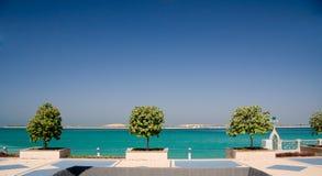 Promenade door overzees in Abu Dhabi Stock Afbeelding