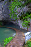 Promenade en bois sur le lac Photo libre de droits