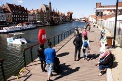 'promenade' en el puerto de Gdansk Imagen de archivo libre de regalías