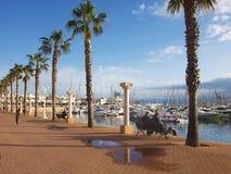'promenade' en el puerto deportivo de Alicante - España foto de archivo libre de regalías