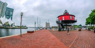 'promenade' en el puerto interno, Baltimore, los E.E.U.U. de la costa fotografía de archivo