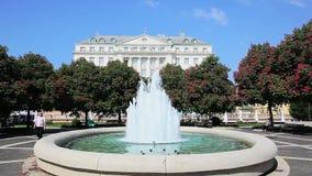 Promenade en fontein, Zagreb stock videobeelden