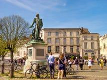 Promenade en la ciudad vieja de La Rochelle, Francia Fotografía de archivo libre de regalías