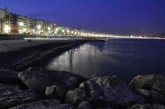 'promenade' en Niza en la noche Foto de archivo libre de regalías
