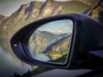 Promenade en voiture, Aurlandsfjord, Norvège Photographie stock