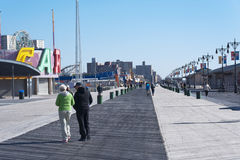 Promenade et plage New York City de Coney Island images libres de droits