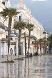 Promenade im beliebten Erholungsort von Jalta morgens Lizenzfreie Stockfotos