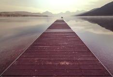 Promenade op het meer Stock Afbeeldingen