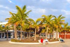 'promenade' pública en el puerto de Puerto Calero Imagen de archivo libre de regalías