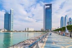 Promenade am Persischen Golf in Abu Dhabi Stockbild