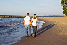 promenade romantique de plage Photos stock