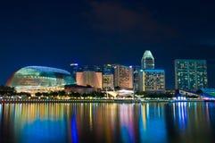 Promenade Singapore bij schemer Stock Afbeelding