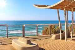 Promenade und Mittelmeer in Israel. Stockbilder