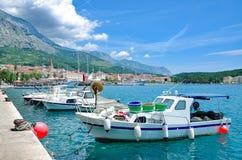 Promenade von Makarska-Stadt, adriatisches Meer, Kroatien Stockfoto