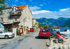 Promenaden av Perast Royaltyfri Foto