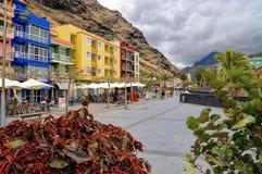 Promenera i Puerto de Tazacorte, La Palma, Spanien Royaltyfri Fotografi