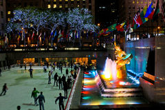 Prometheus雕象在洛克菲勒中心, NYC 免版税库存图片