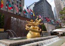 Prometheus standbeeld op Rockefeller-Centrum Stock Afbeelding
