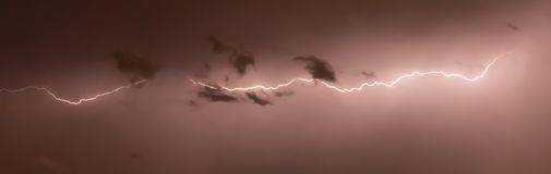 Promienie w nocy zdjęcie stock