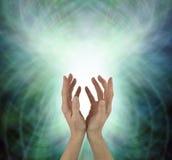 Promieniejąca Piękna Kierowa Chakra Lecznicza energia zdjęcie stock