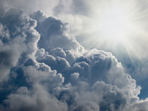 promienieje niebiańskiego słońce Fotografia Stock