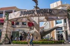 Promocyjny Tyrannosaurus rex T-rex dla nadchodzącego ekranowego Jurajskiego światu: Spadać królestwo zdjęcie stock