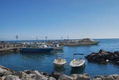 Promy cumujący quay od Amalfi półwysepa, Zdjęcia Royalty Free