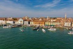 Promy w kanale w Wenecja Obraz Royalty Free