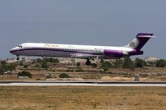 Pronair MD-87 på korta finaler Fotografering för Bildbyråer
