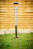 Pronged trädgårds- gaffel fyra. Arkivbilder