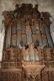 Prononcez un discours l'organe dans la cathédrale de Séville photo libre de droits