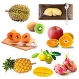 Pronto da mangiare della frutta tropicale isolato su bianco Immagine Stock