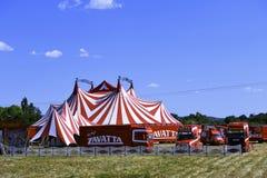 Pronto installato della tenda di circo per la rappresentazione Fotografia Stock