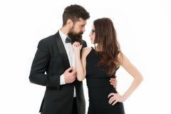 Pronto vestido elegante do homem e da mulher para a noite para fora Comemore o anivers?rio Os pares românticos vestem a roupa for imagem de stock