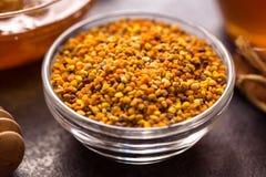 Propóleos-producto del polen de la flor de la abeja Foto de archivo libre de regalías
