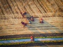 Propósito aéreo de la cosecha mecánica de la agricultura de la máquina segadora Fotografía de archivo libre de regalías
