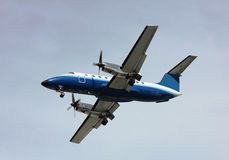 Prop plane landing Royalty Free Stock Photos